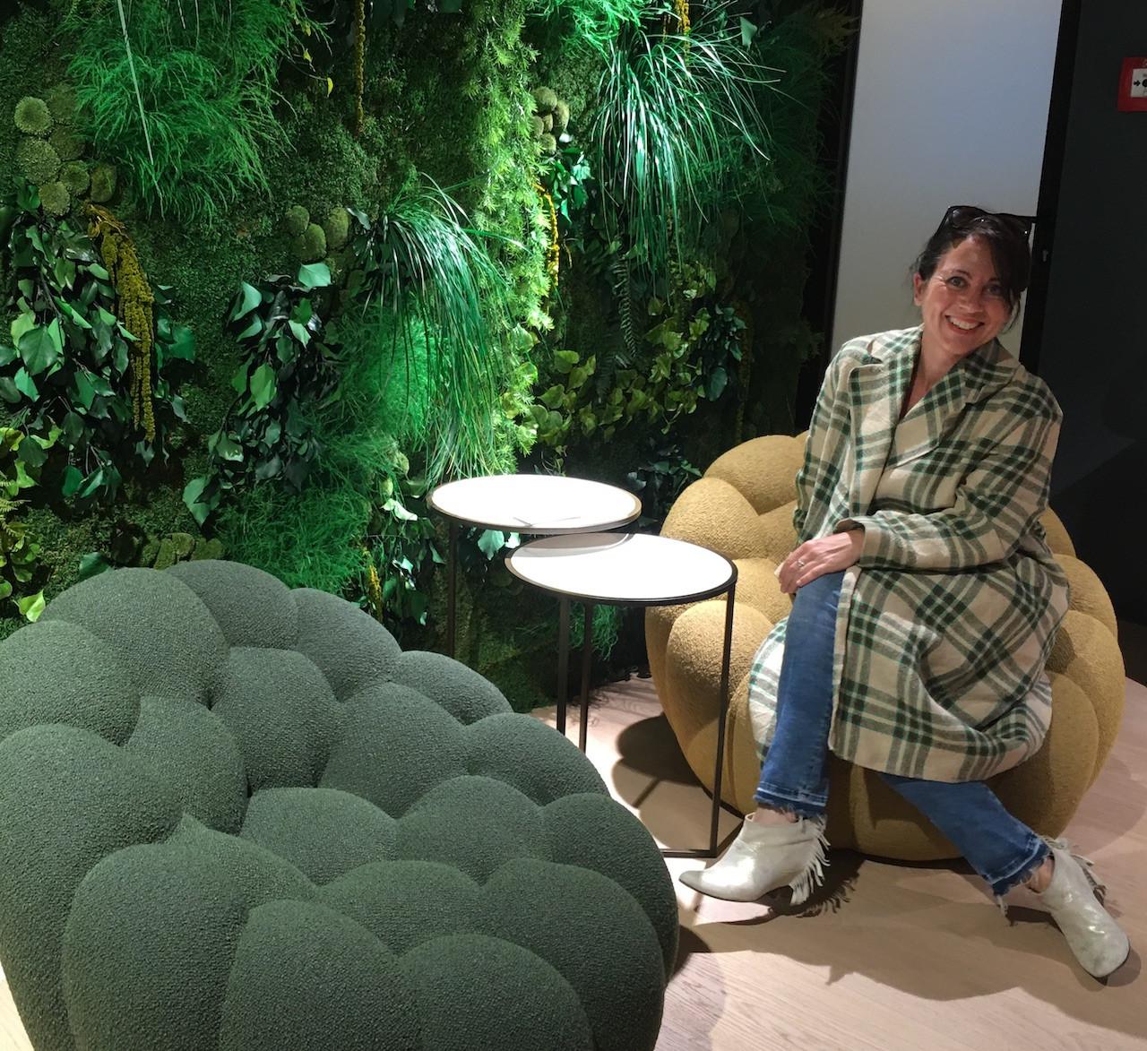 Innenarchitektin Julia Schneider, iam - hat sich spontan in Bubble verliebt. Ihr Mantel hat sich farblich bereits angepasst… ;-)