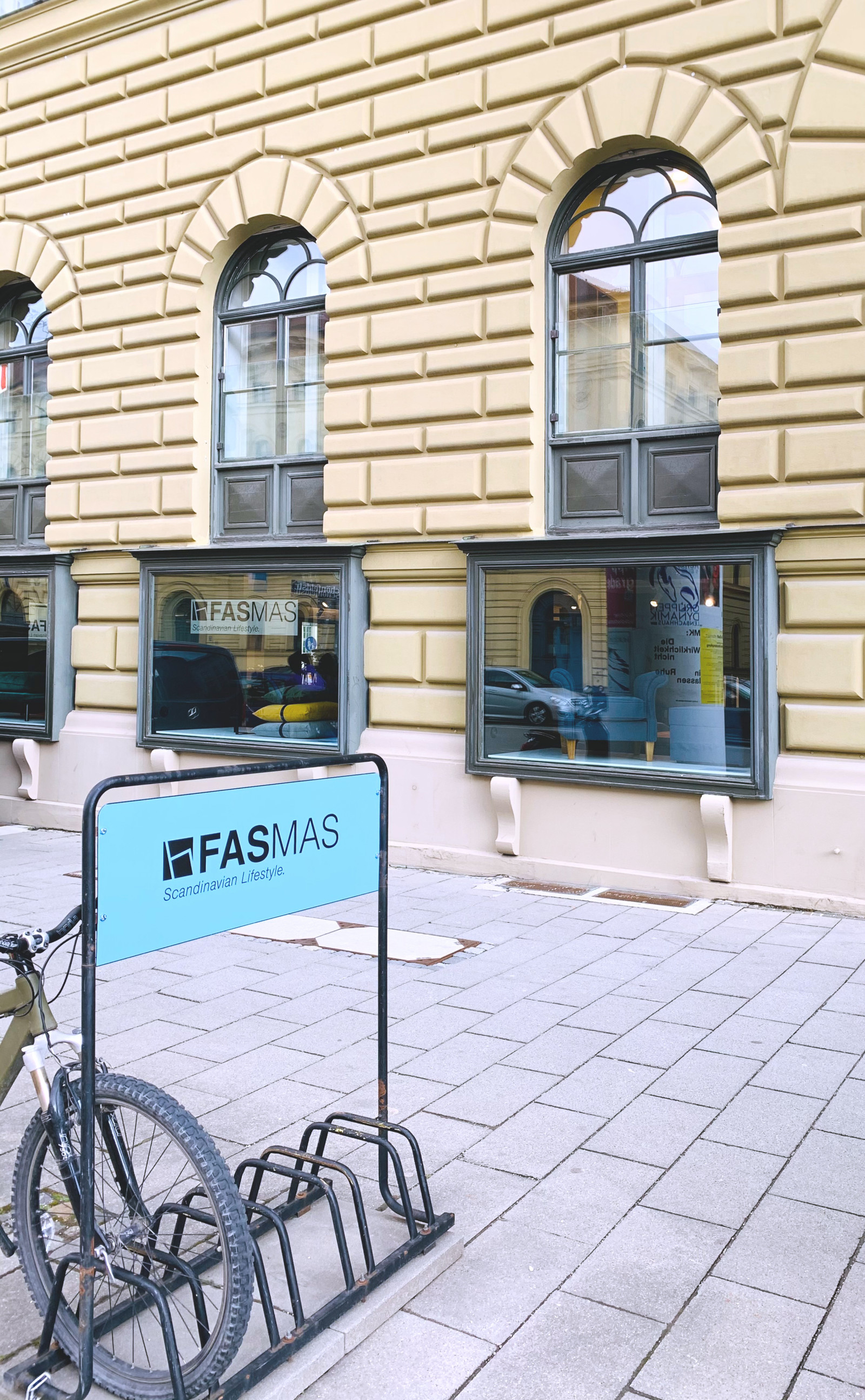 Die Schaufenster im Ludwigpalais an der Ludwigstraße<br>Alle Fotos bis auf das von Carsten Brügmann: © FASMAS Scandinavian Lifestyle