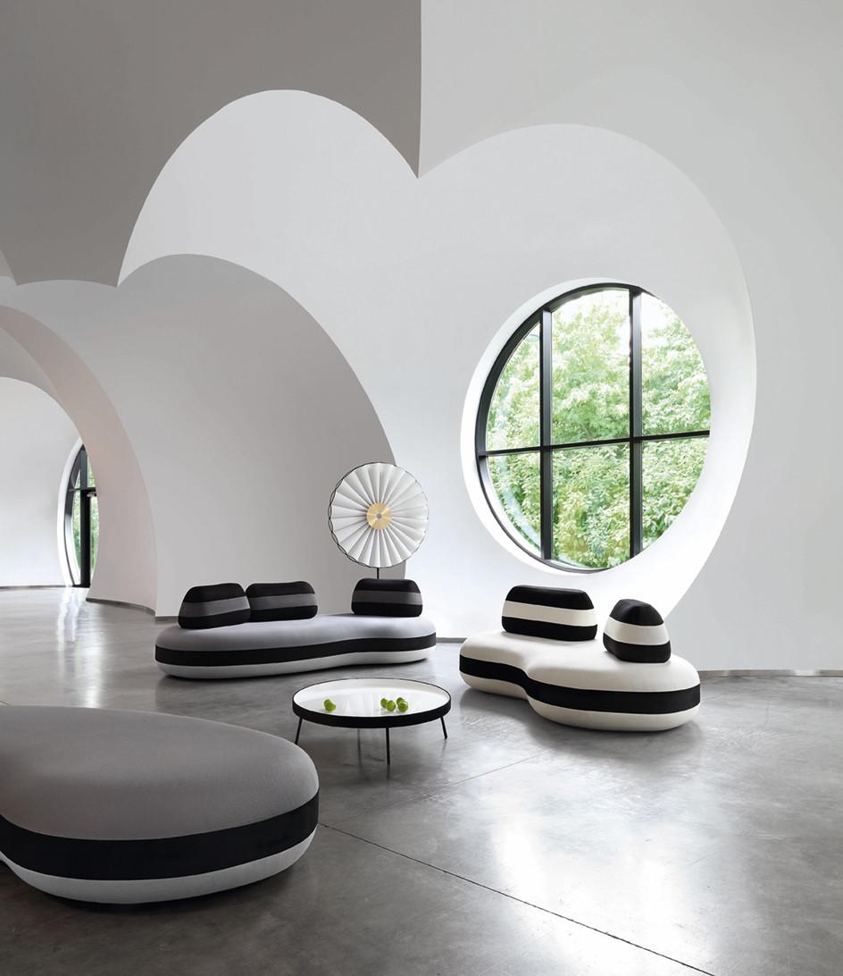 <em>Sofa BOMBOM NOIR - Foto: Michel Gibert</em>
